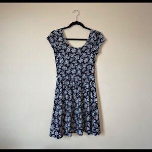 Forever 21 Black & White Floral Babydoll Dress